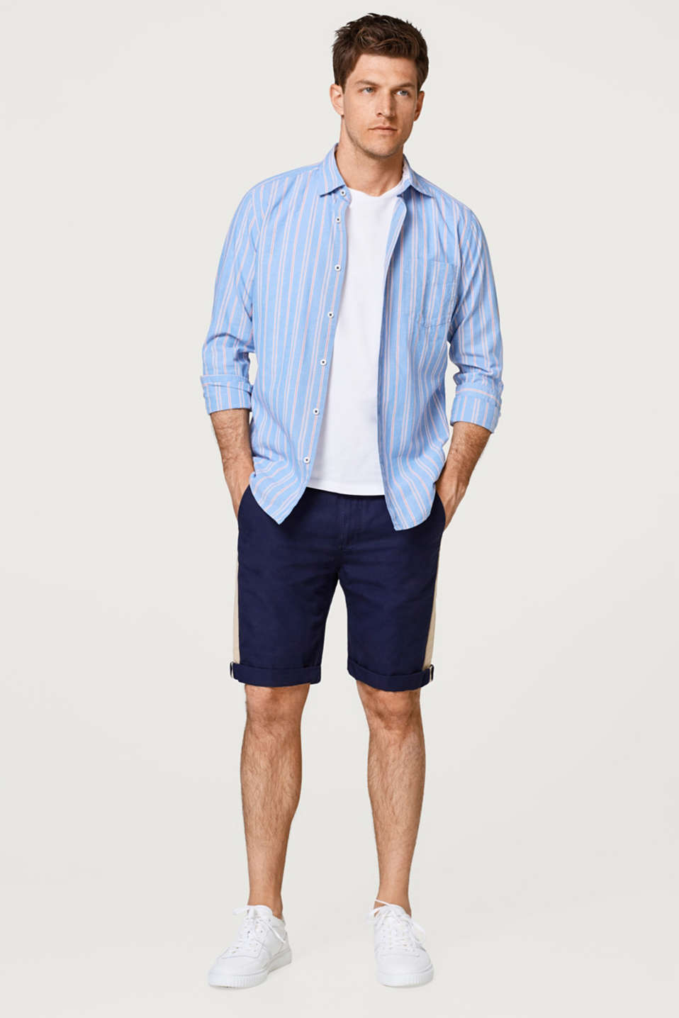 Linen blend: Bermuda shorts with tuxedo stripes