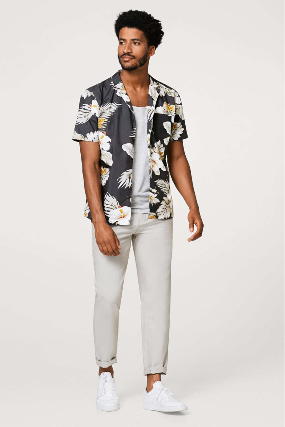 Short sleeve shirt with tropical print and Cuban collar