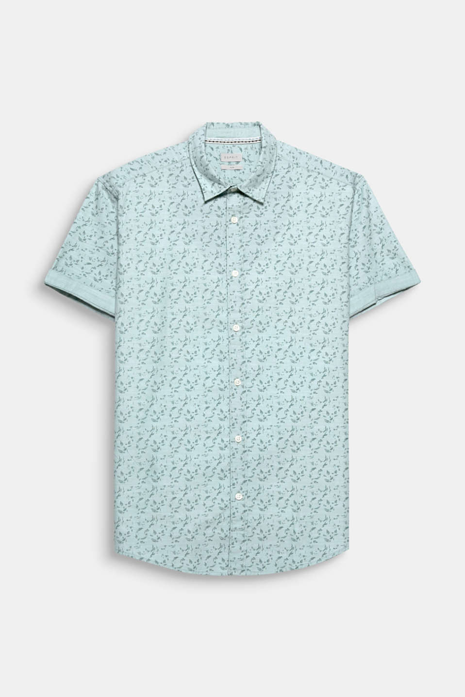 Trend: tropical prints! The lightweight cotton fabric and the trendy print gives this short sleeve shirt an exciting look.