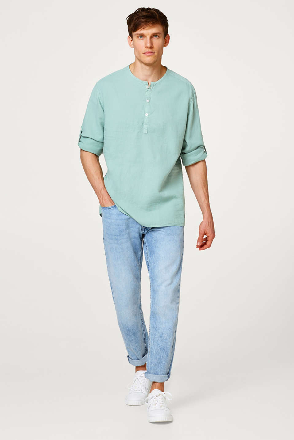 Shirt with a Henley neckline, made of cotton