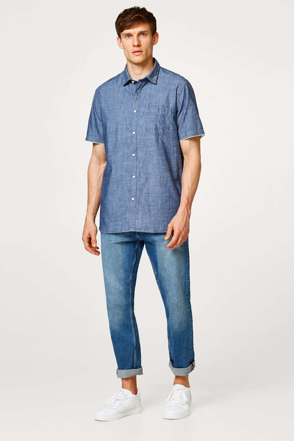 Short sleeve shirt made of cotton chambray
