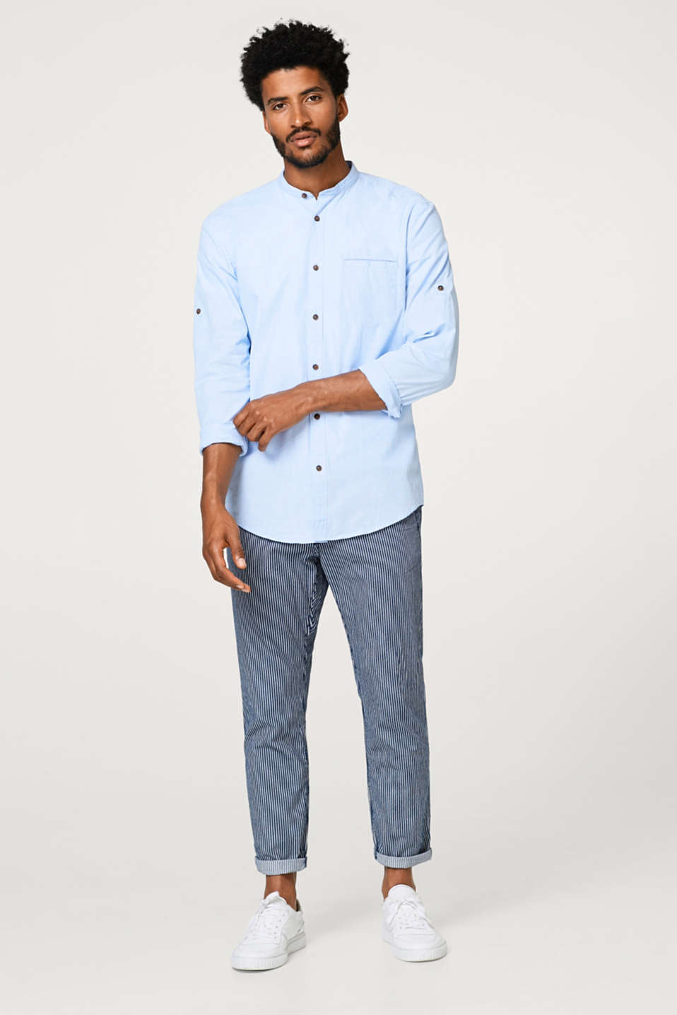 Finely textured, two-tone shirt in 100% cotton