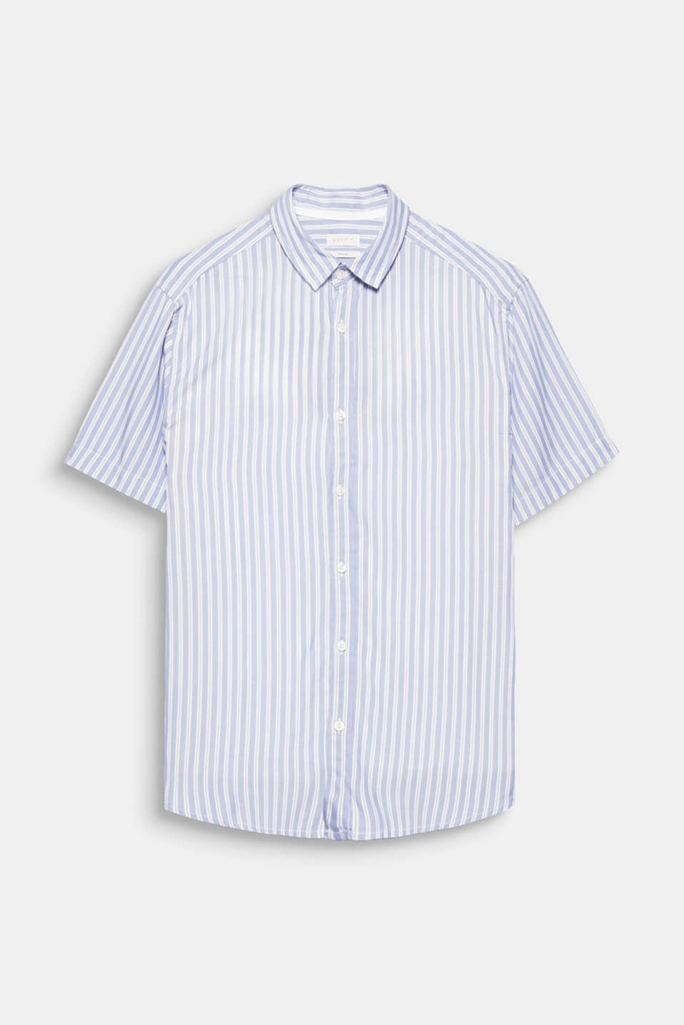 The delicate and smooth pure viscose fabric and the sporty vertical striped look gives this short sleeve shirt a modern, summery look.