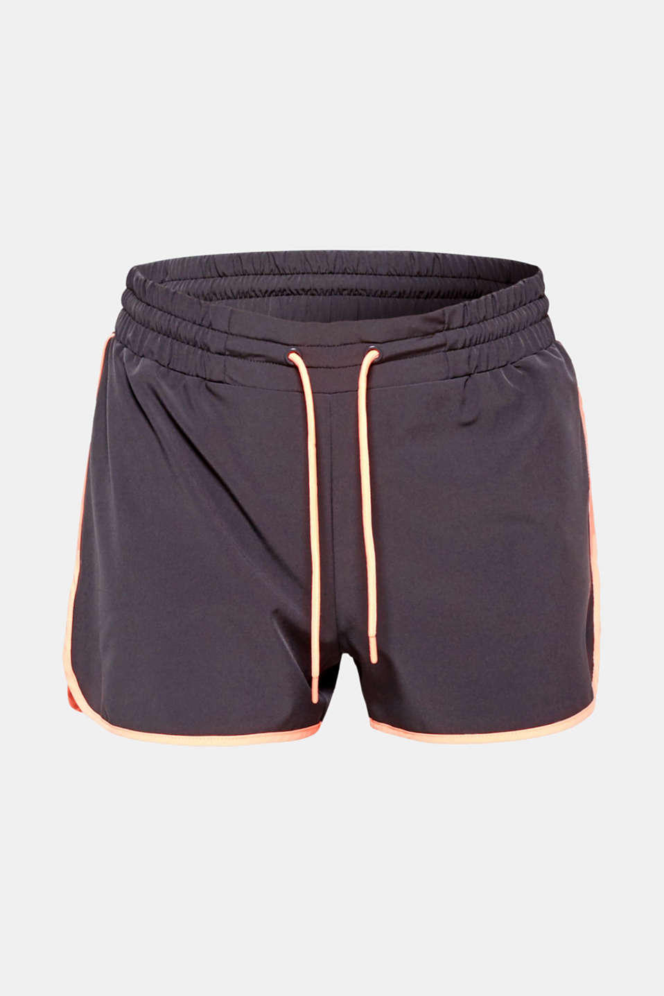 Practical and with stylish neon details: These active shorts with E-DRY technology are airy and lightweight.