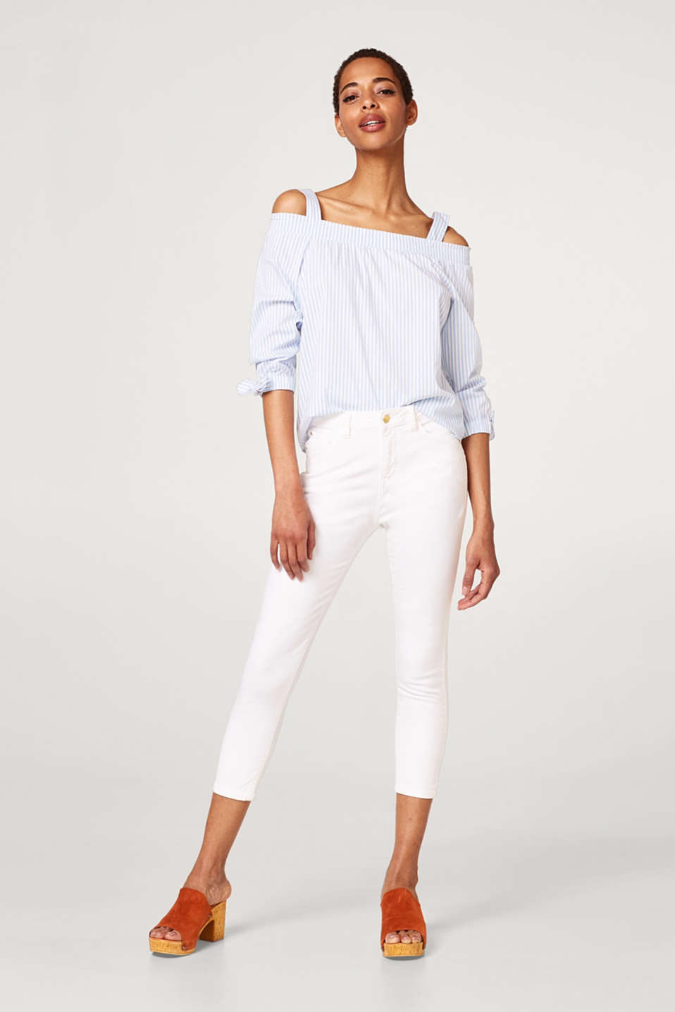 Esprit - Cropped cotton jeans with added stretch for comfort