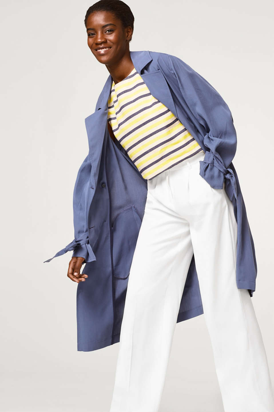 Wide-leg trousers with waist pleats