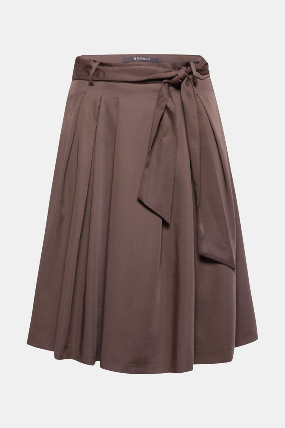Bring some momentum into your look: wide, swirling skirt made of a flowing lyocell blend with added stretch for comfort and a wide belt.
