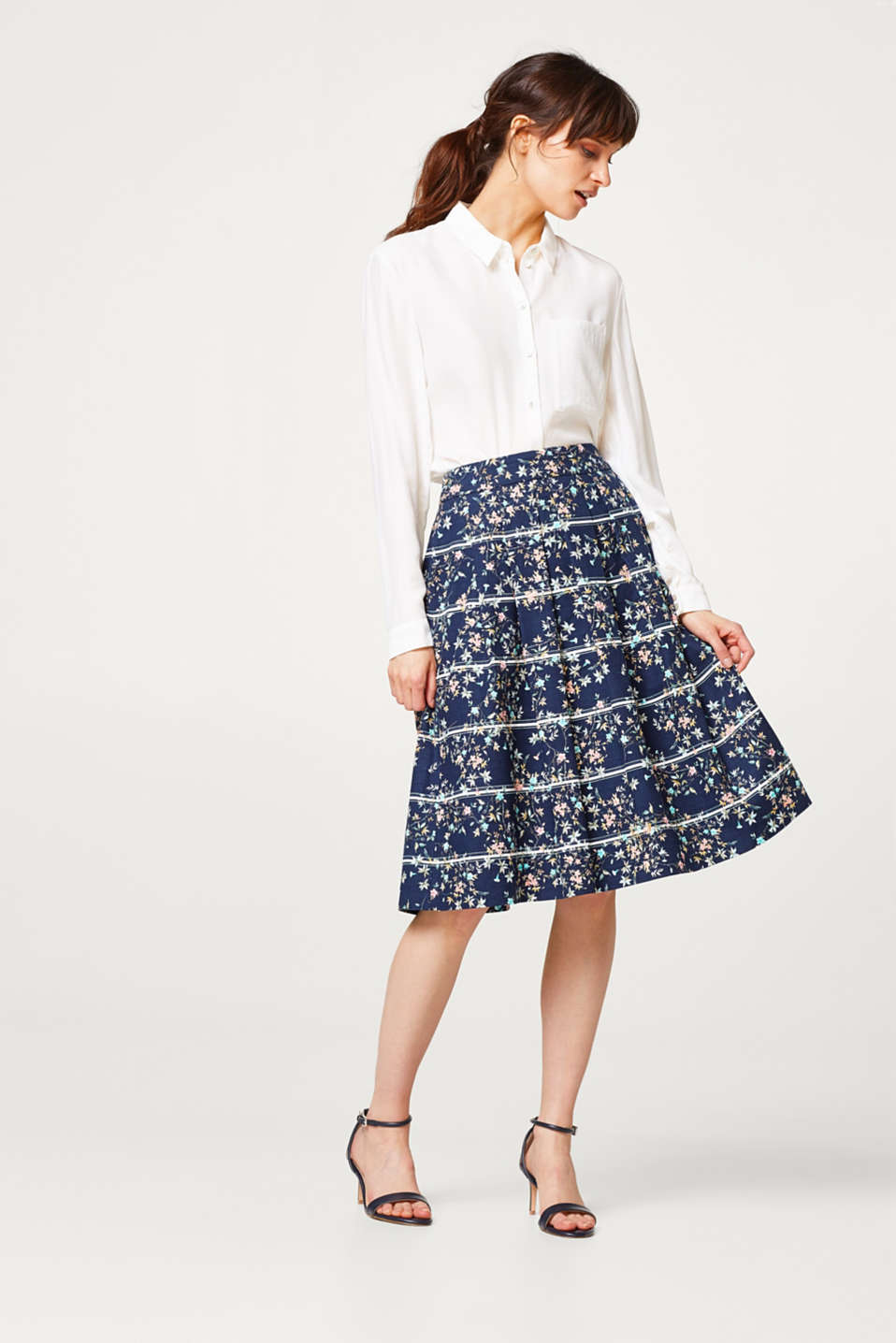 Textured stretch cotton pleated skirt