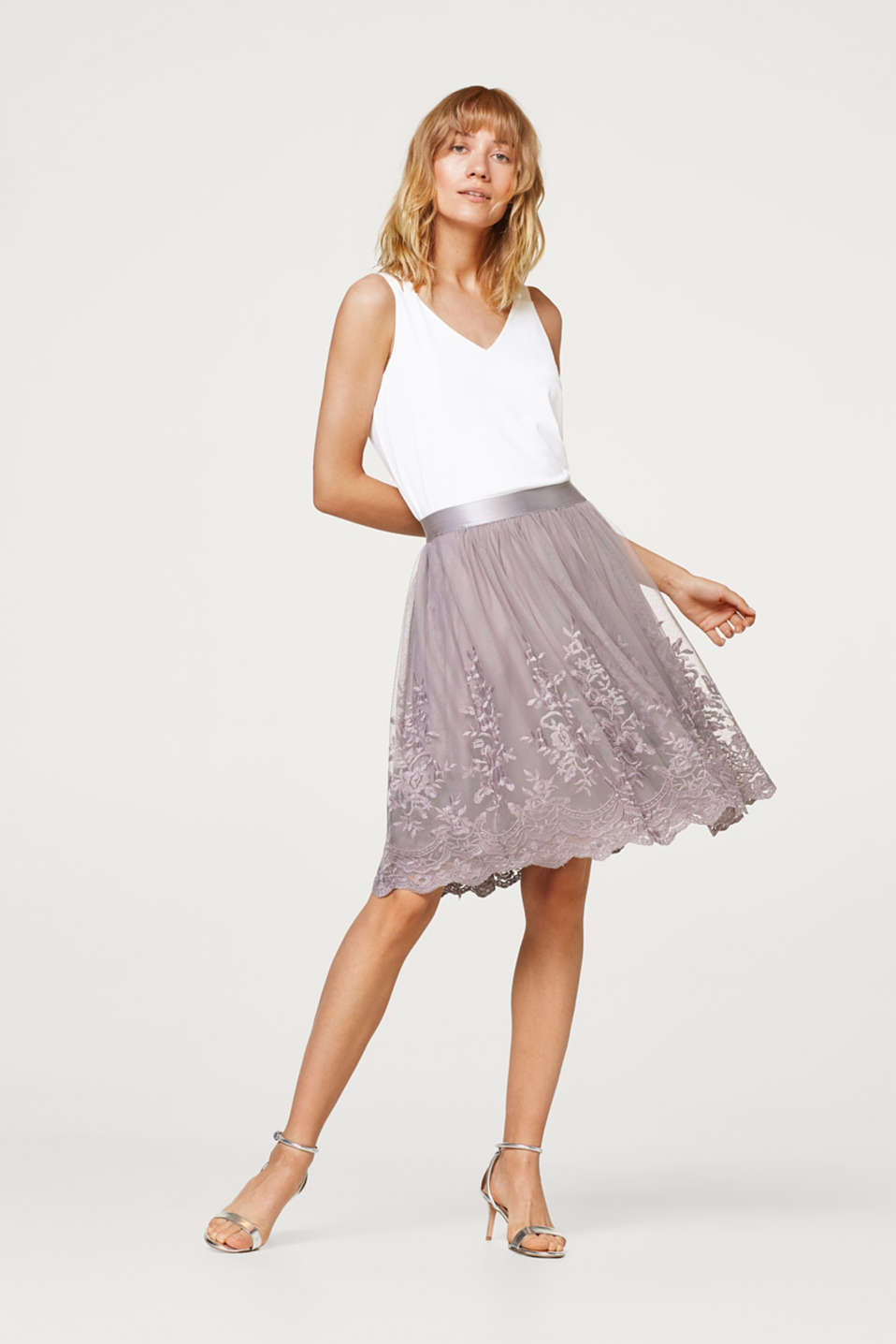 Esprit - Embroidered mesh skirt with an elasticated waistband