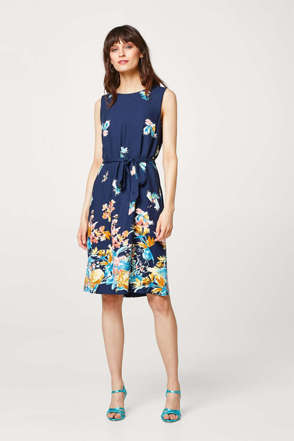 Esprit - Jersey dress with a colourful print + tie-around belt