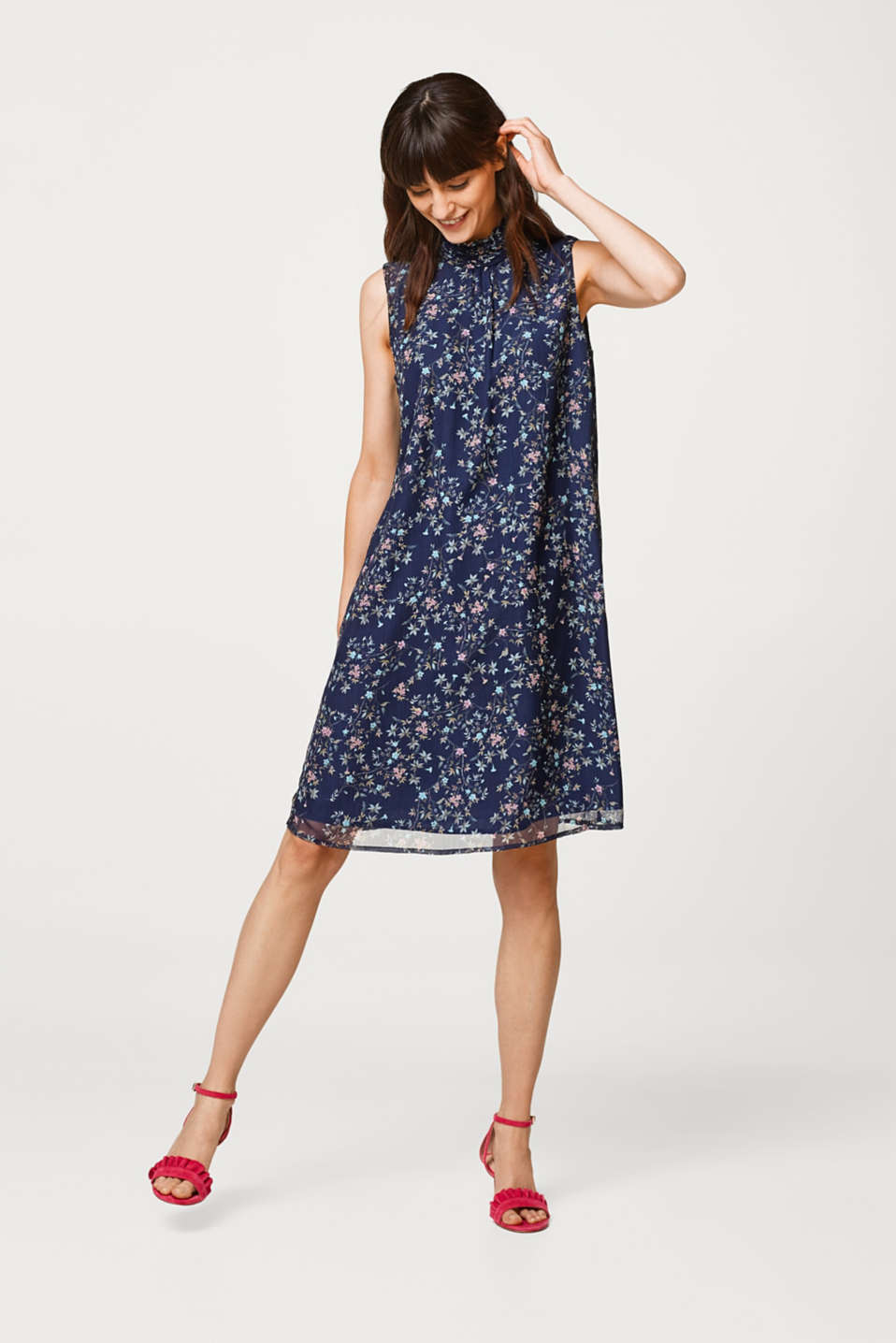 Dress in textured chiffon with a subtle A-line cut