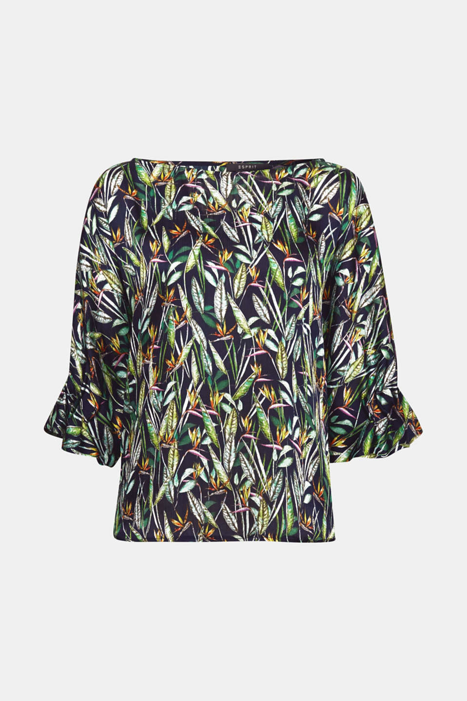 Tropical feeling! This blouse with a colourful all-over tropical print and three-quarter length, flared sleeves perks up your outfit perfectly.