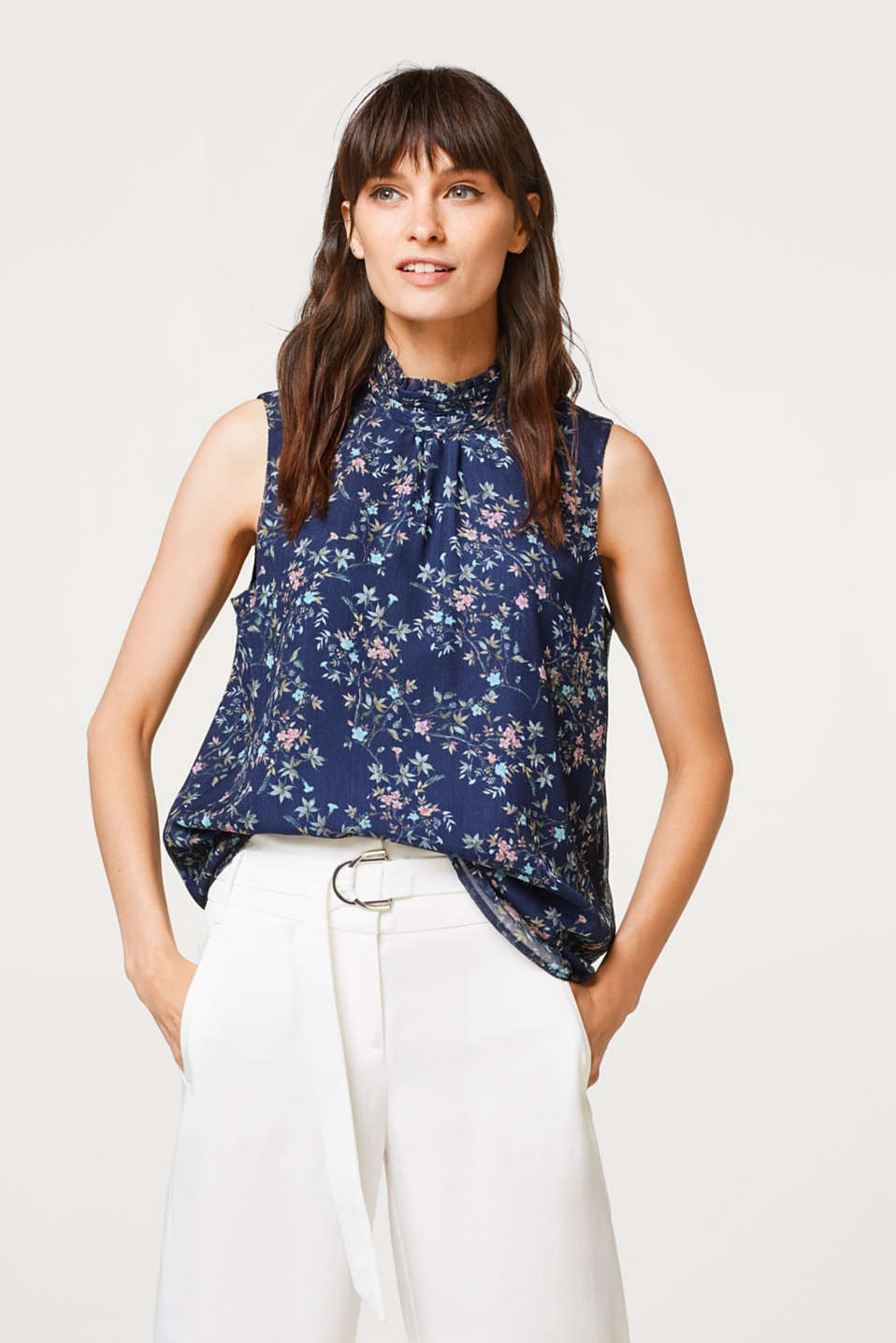 Esprit - Fine crinkle blouse top with a print and stand-up collar