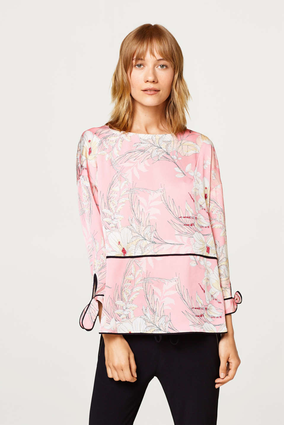 Esprit - Kimono blouse with a print and piping