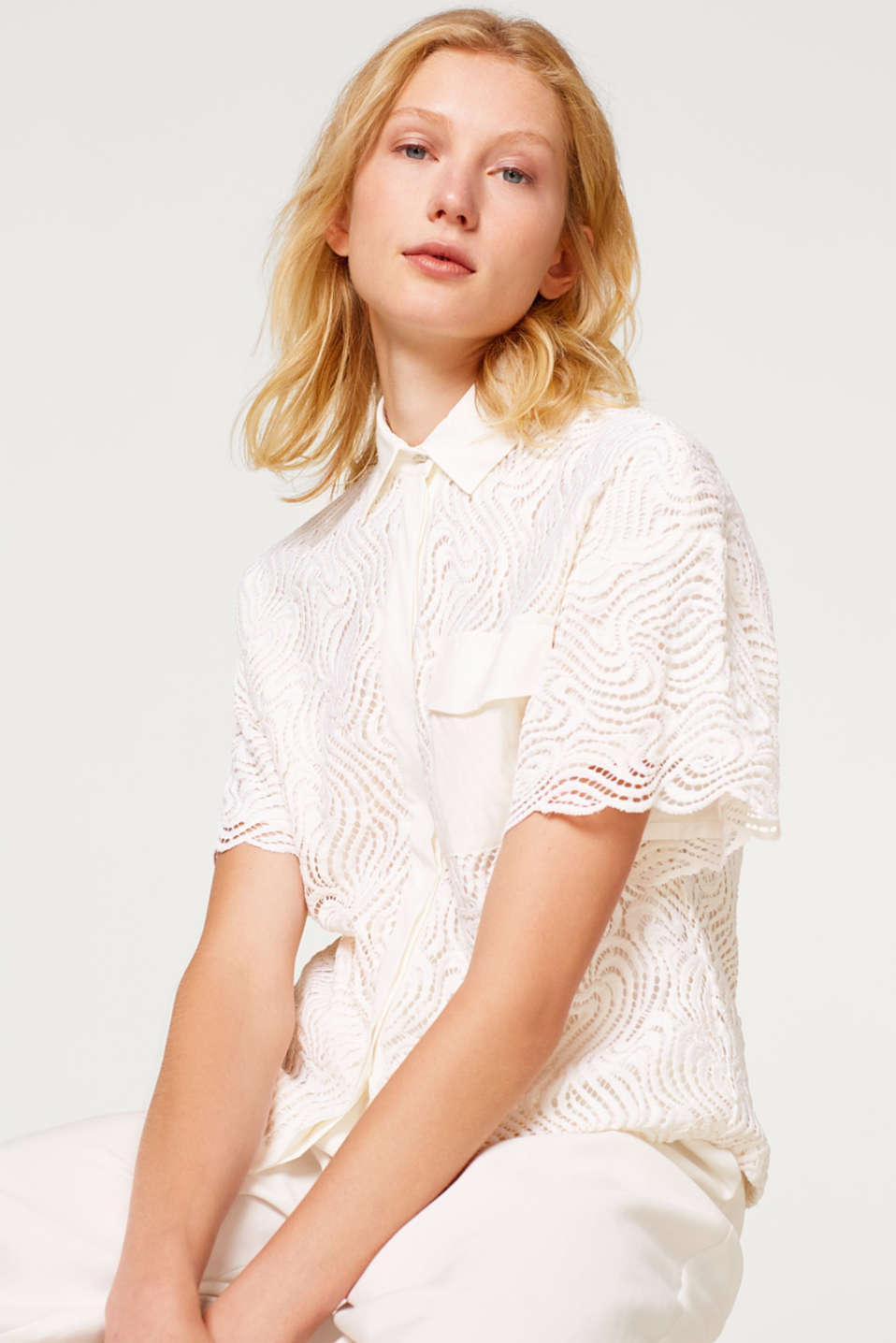Esprit - Boxy lace blouse with fabric details