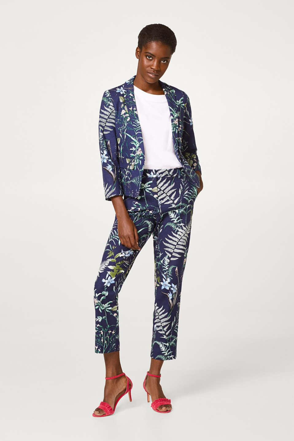 Cropped blazer made of cotton with a botanical print