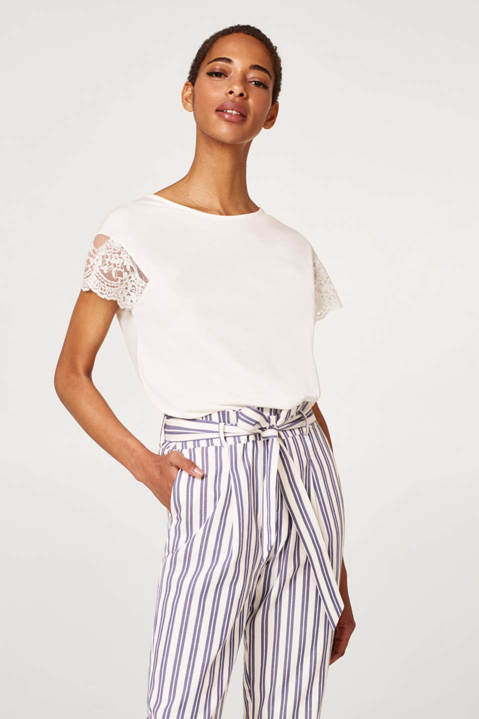 Esprit - Lightweight top with elegant lace sleeves