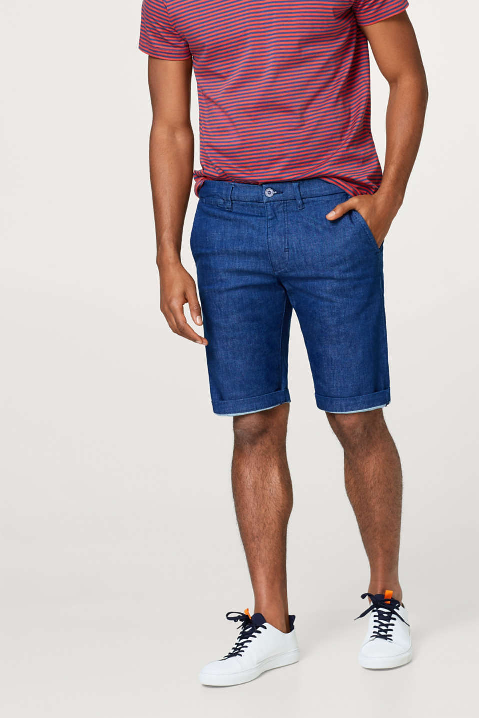 Esprit - Super stretch denim shorts with a sleek dye effect