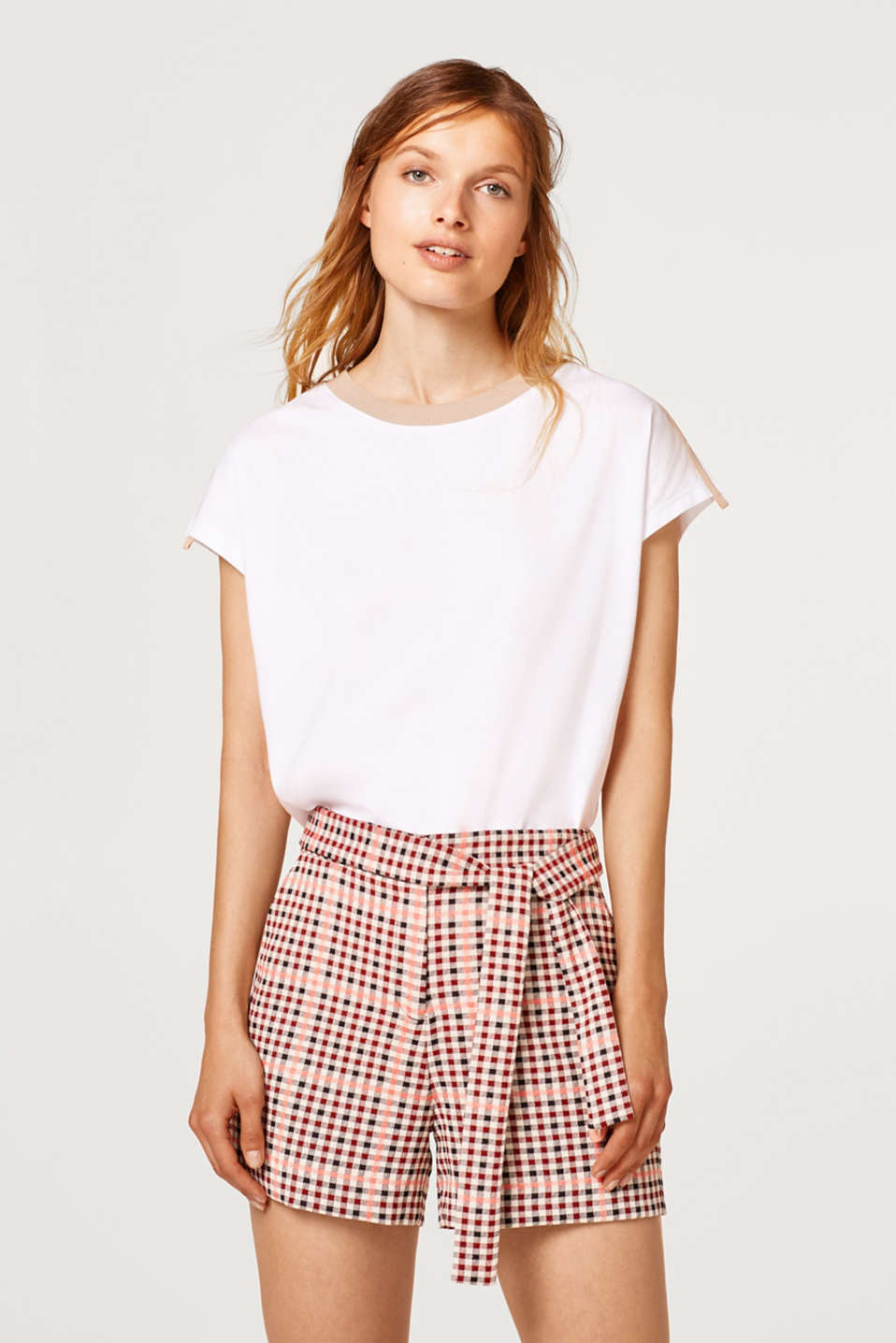 Esprit - Checked shorts and a fixed tie-around belt