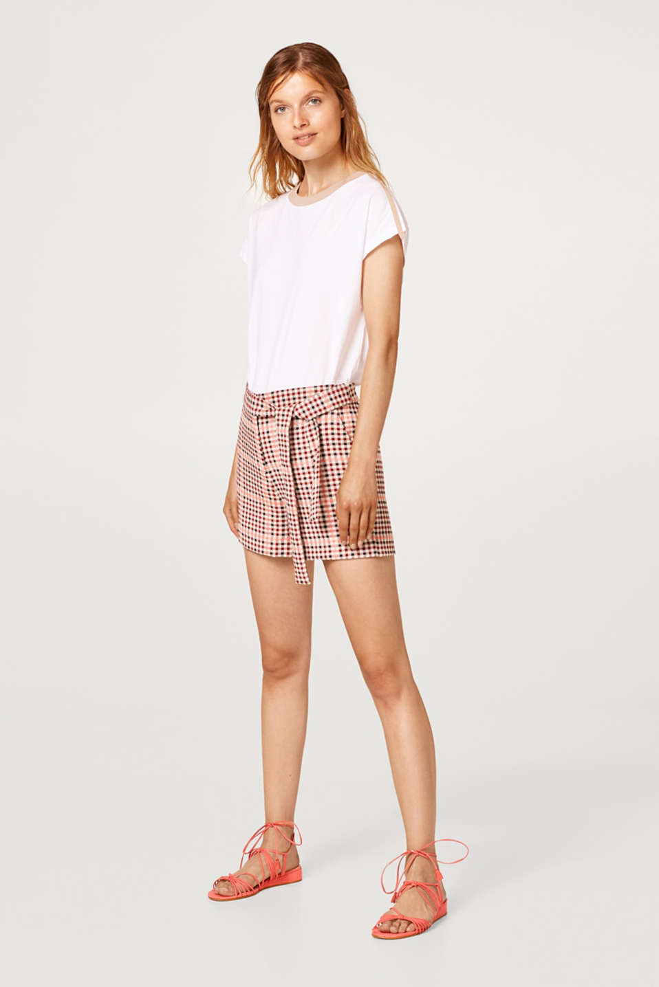 Checked shorts and a fixed tie-around belt