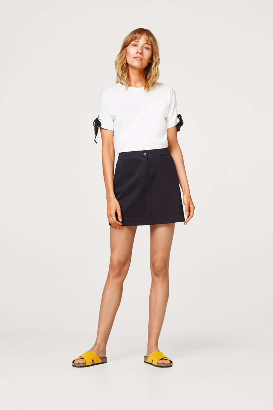 Esprit - Mini skirt in a chino style, made of stretch cotton