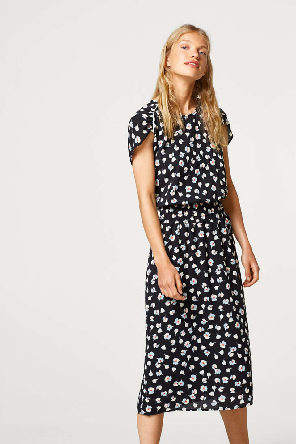 Esprit - Smocked crêpe dress with floral print