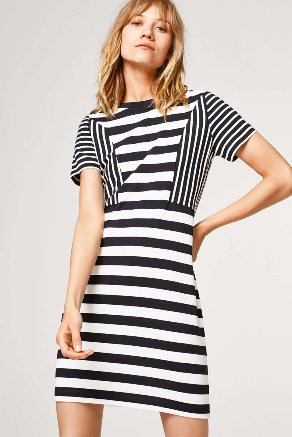 Esprit - 100% cotton knitted dress with fine stripes