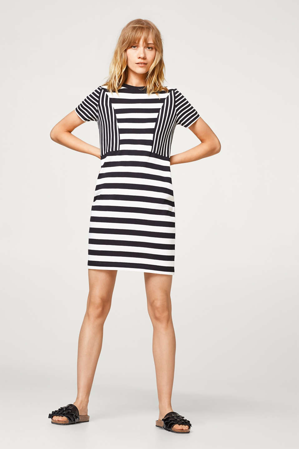 100% cotton knitted dress with fine stripes