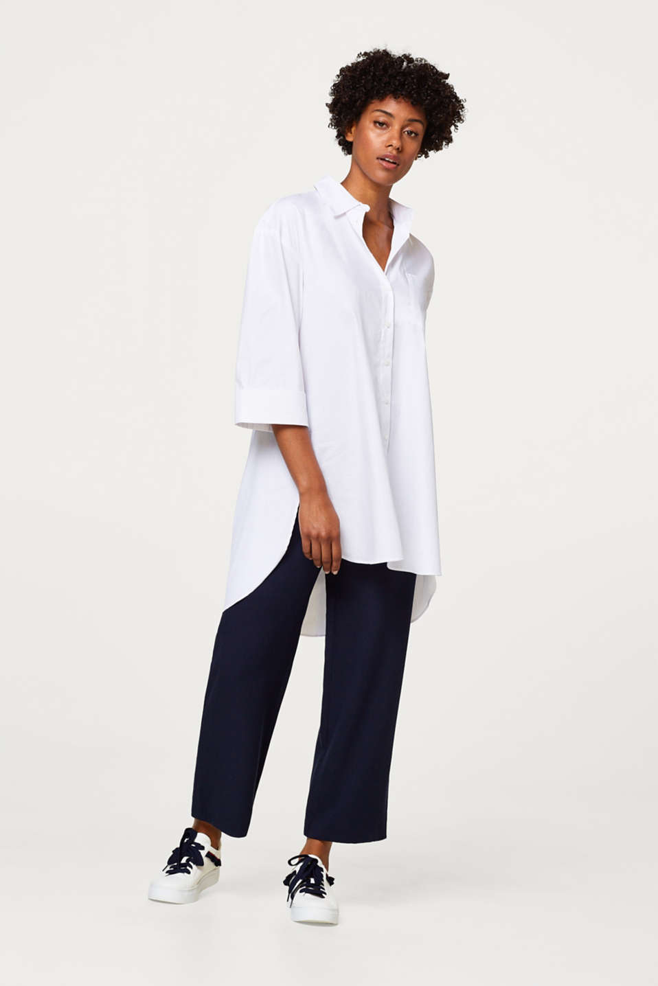 Esprit - Long oversized blouse in a shirt style