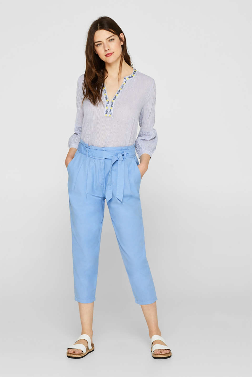 Blended linen paperbag trousers with a percentage of stretch