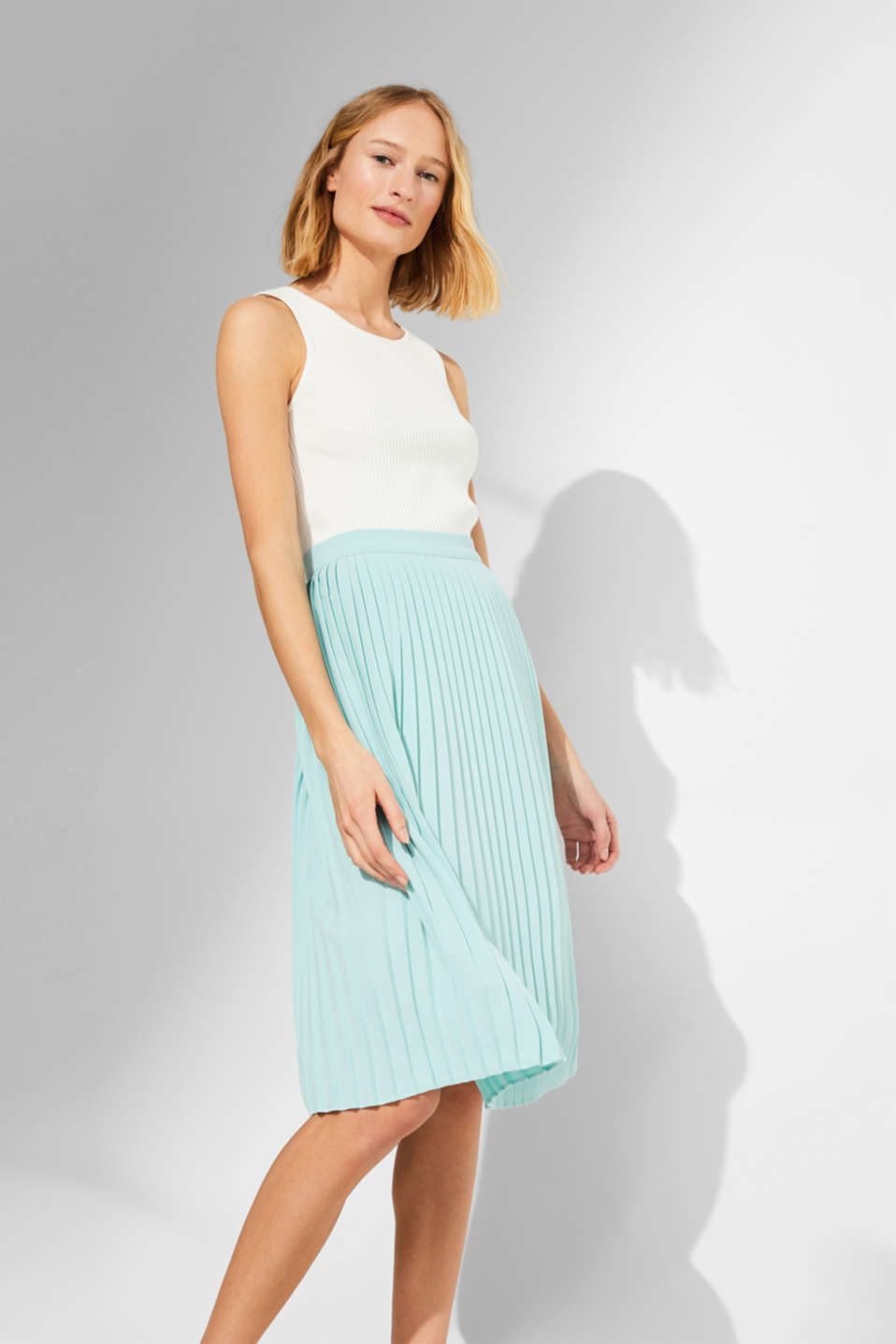 edc - Pleated skirt in a midi length