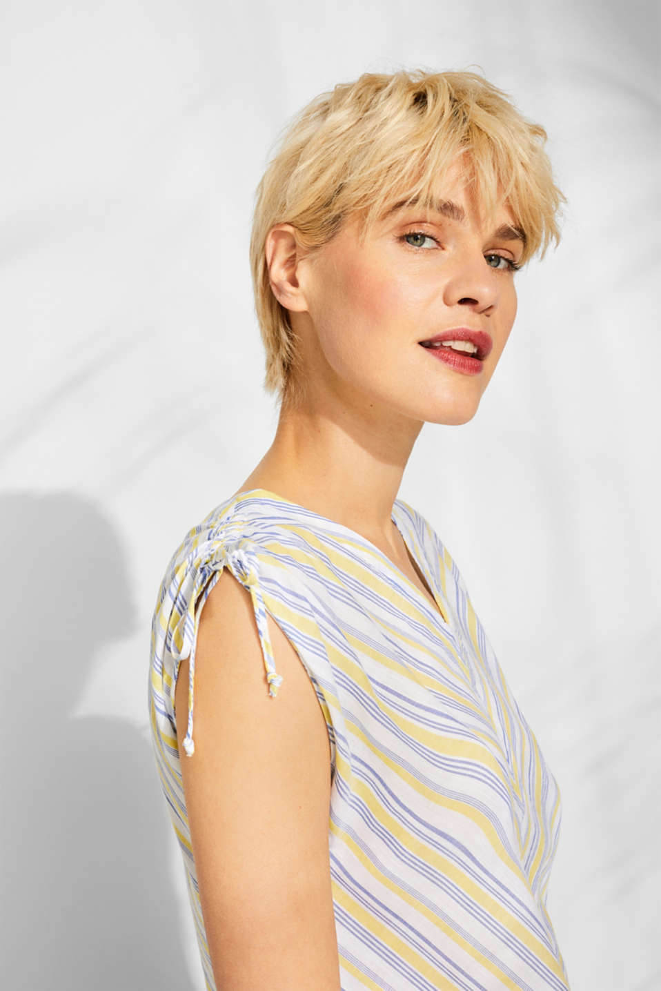 Blouse top with organic cotton, 100% cotton, LIGHT YELLOW, detail image number 2