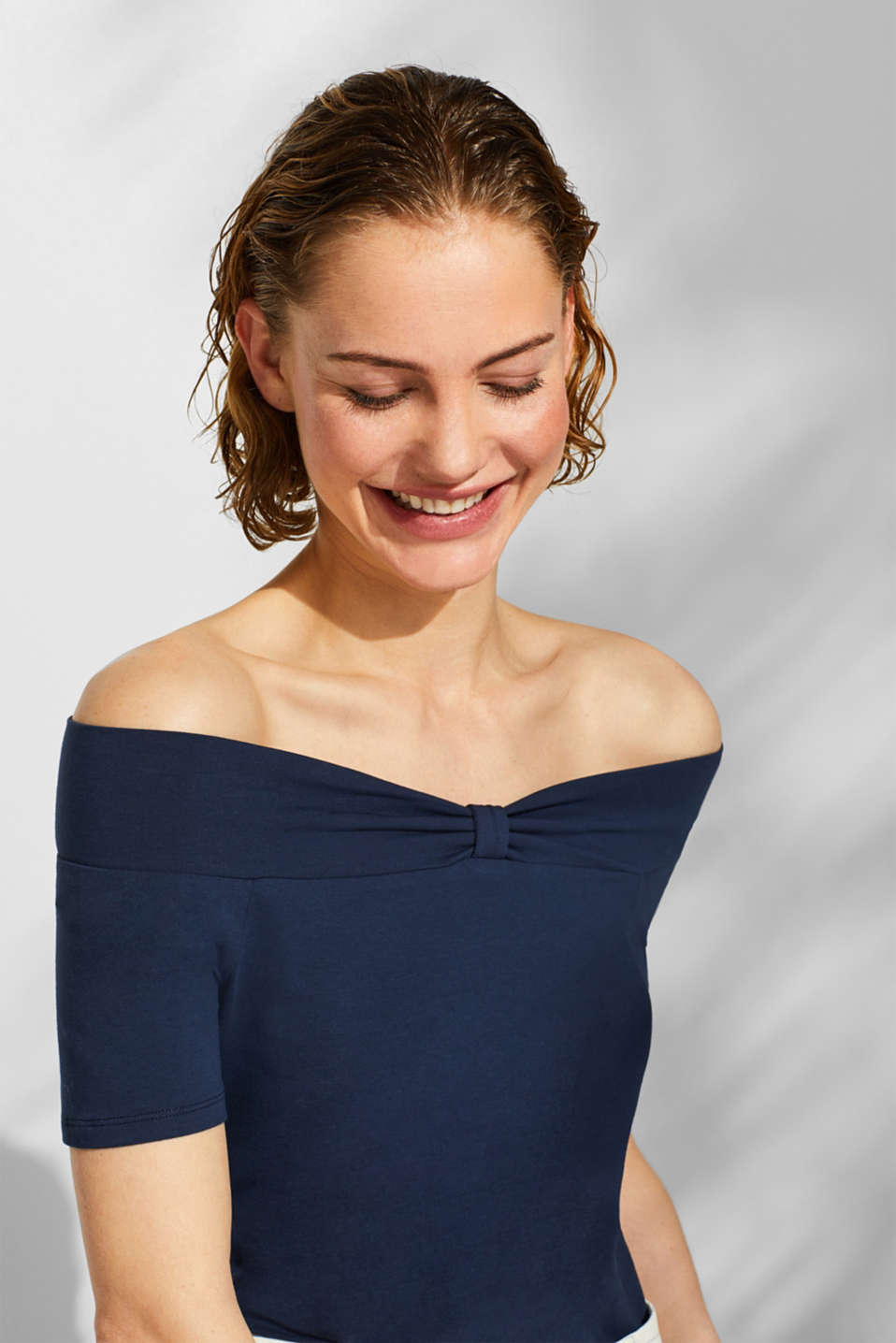 Stretch T-shirt with a Carmen neckline and bow detail, NAVY, detail image number 5
