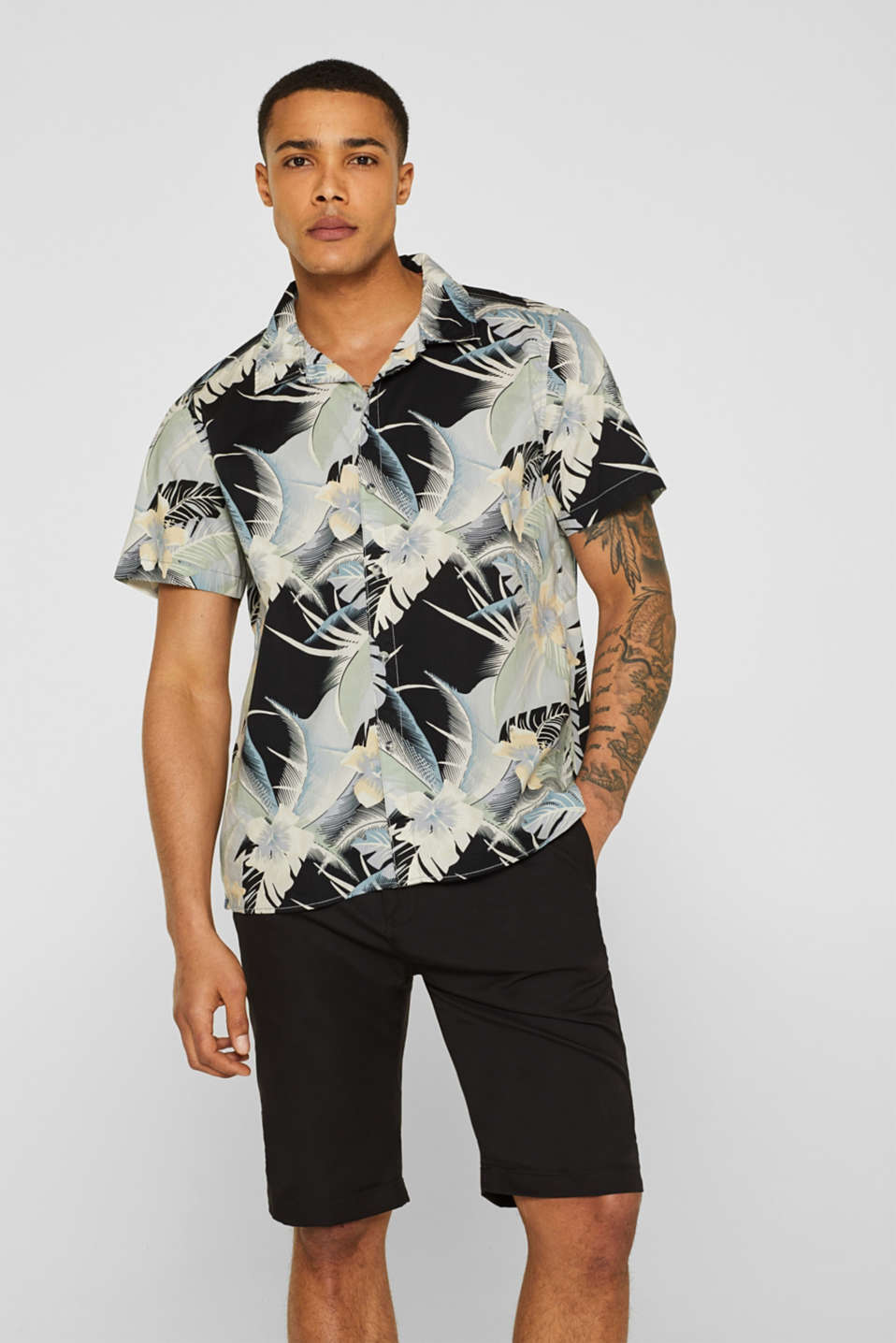 edc - Short sleeve shirt with a tropical print, 100% cotton
