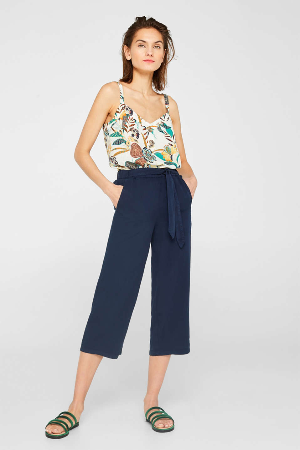 Lyocell culottes with a tie-around belt