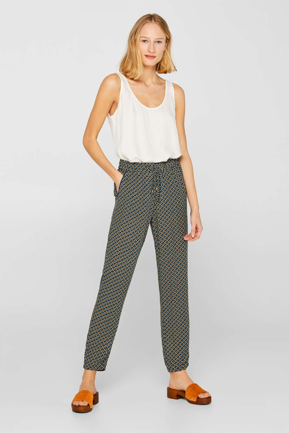 Esprit - Flowing tracksuit bottoms with a minimalist print