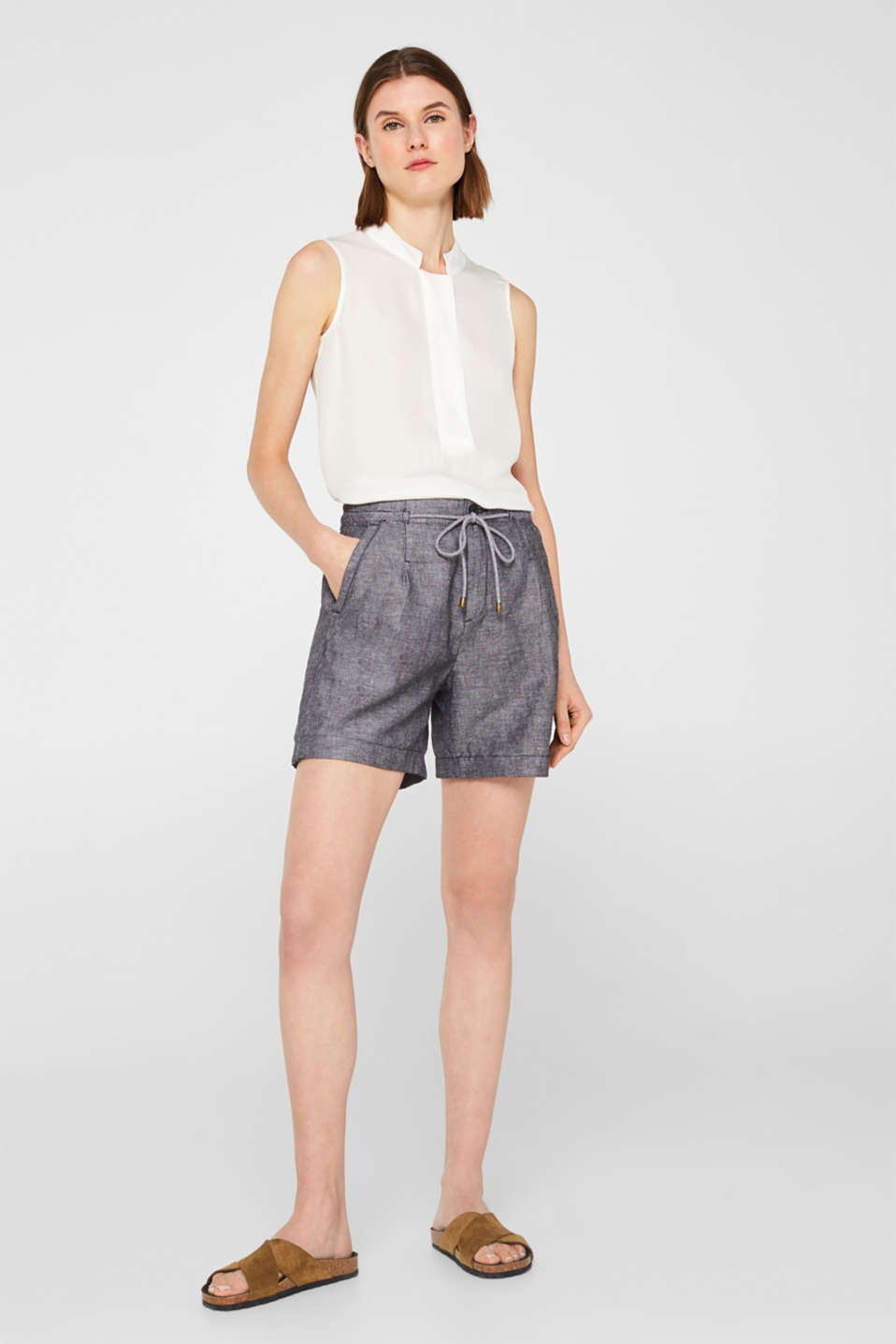 Esprit - Linen blend: shorts with a drawstring waist