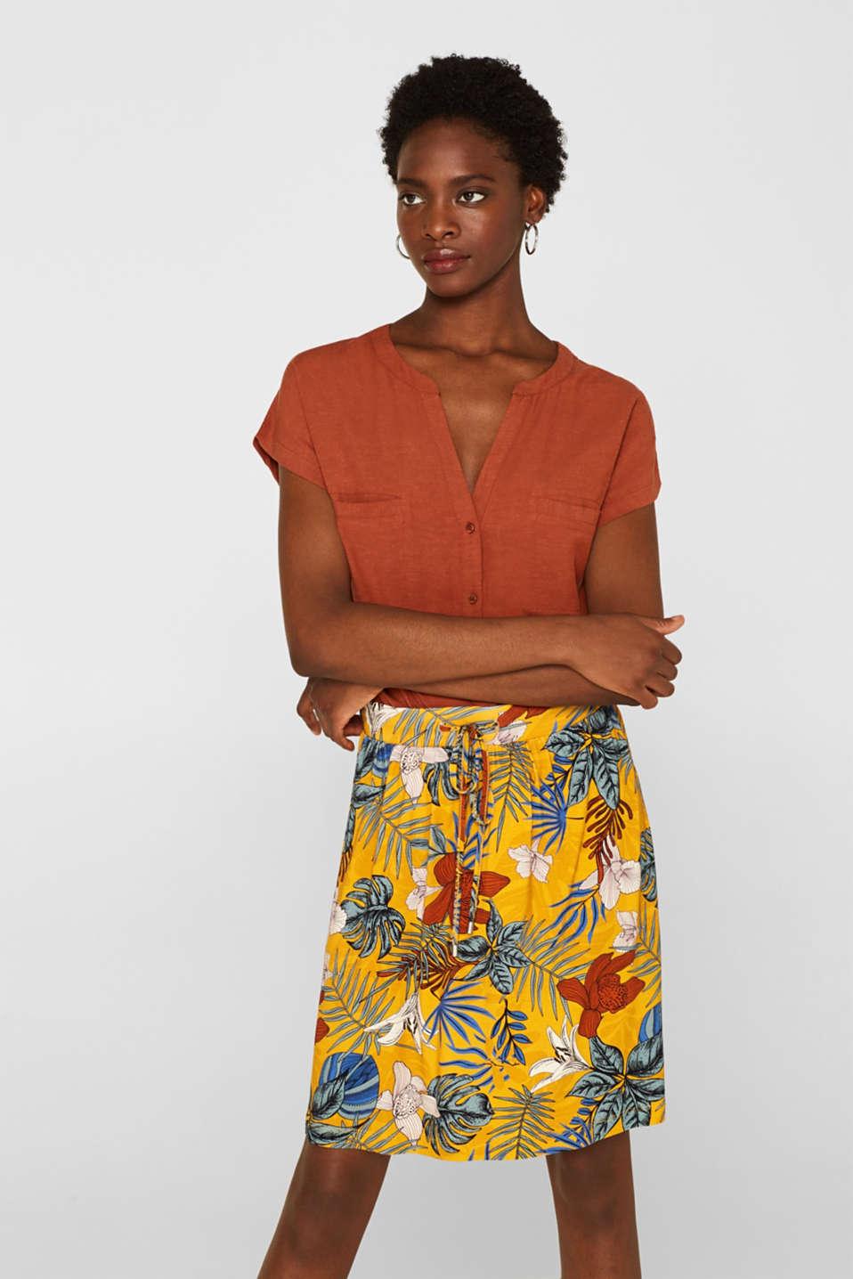 Esprit - Stretch jersey skirt with an elasticated waistband