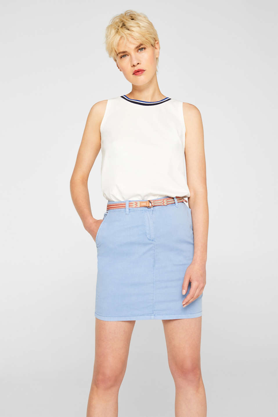 Esprit - Stretch cotton skirt with a colourful belt