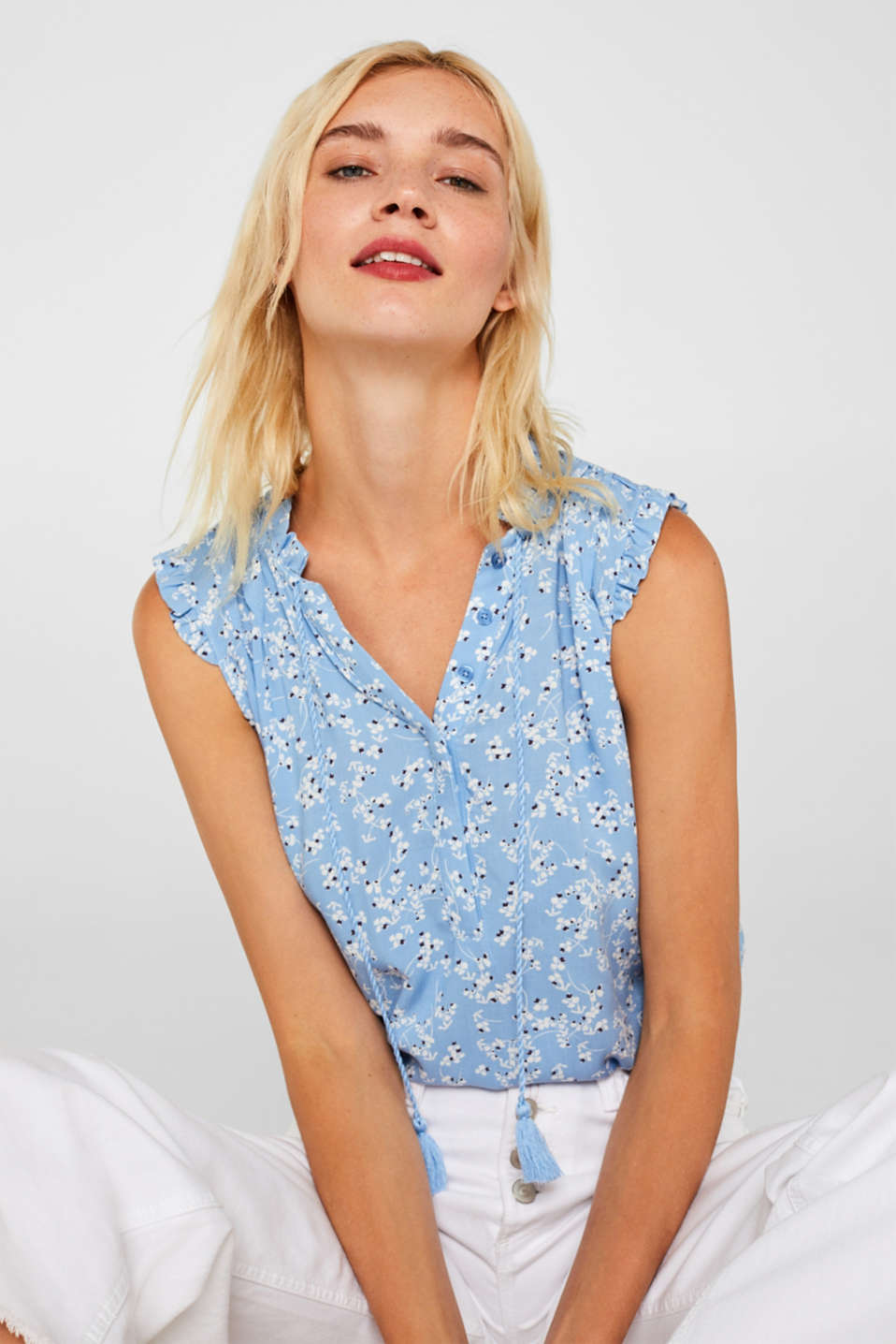 Esprit - Blouse top with a floral print and tasselled ties