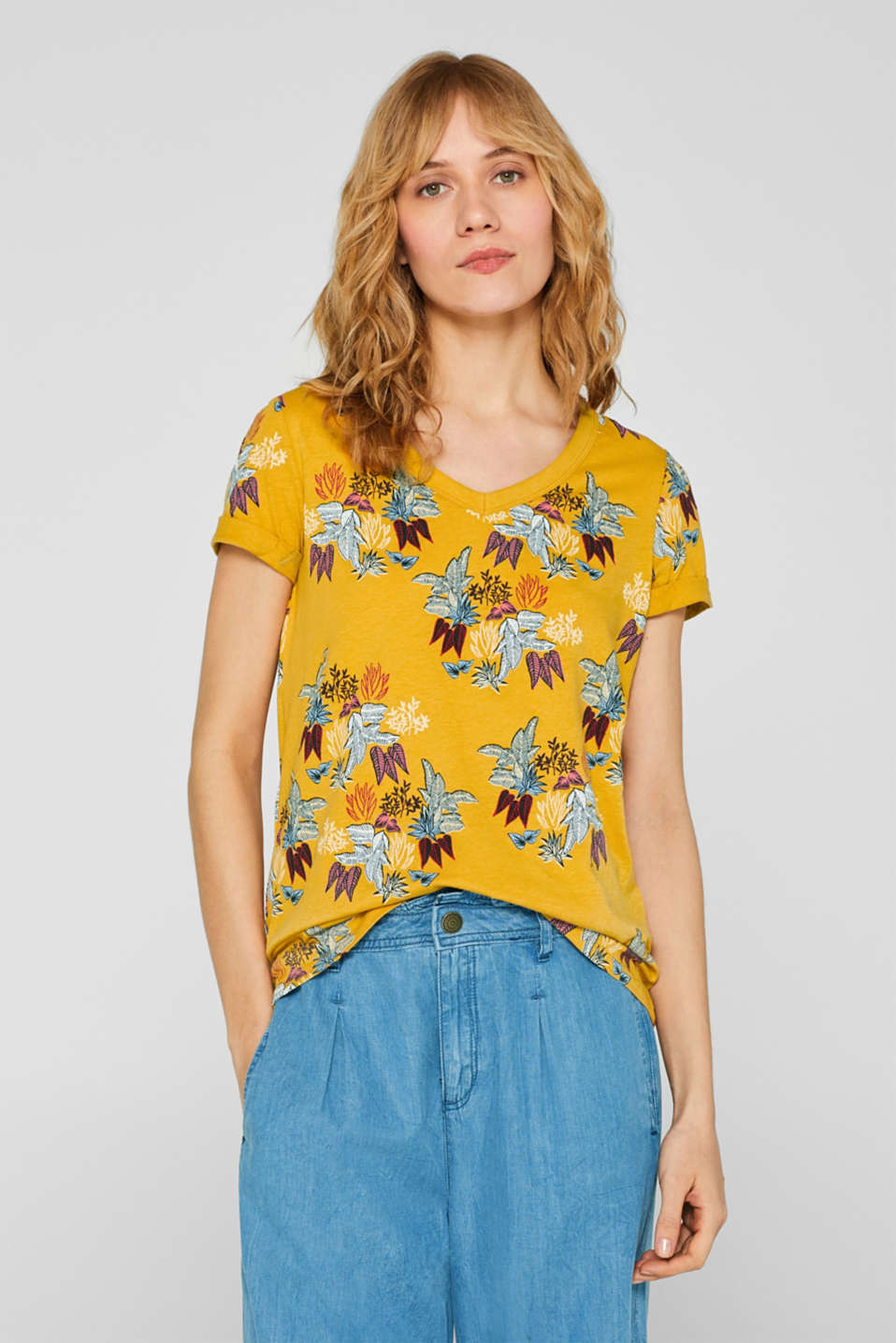 Esprit - Blended linen: printed V-neck T-shirt