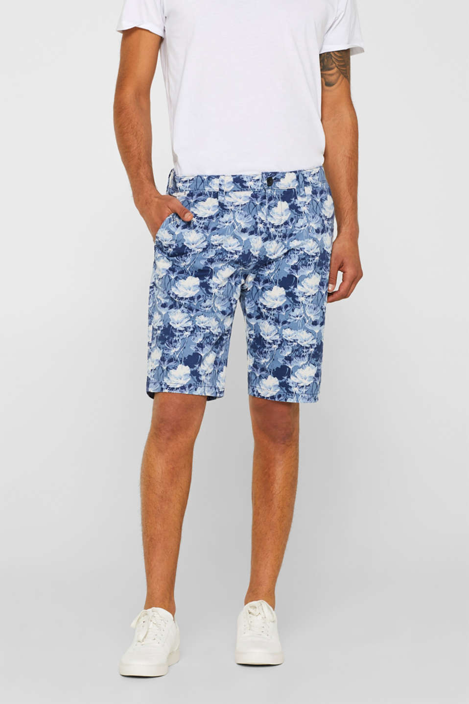 Esprit - Shorts with a floral print, made of stretch cotton