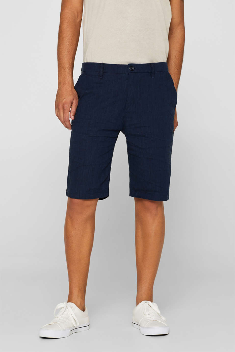 Linen blend: shorts with stretch for comfort