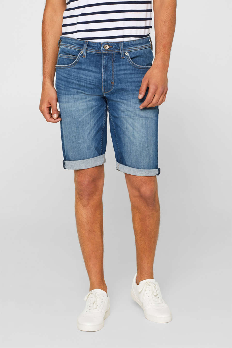 Esprit - Dynamic denim shorts with super stretch for comfort