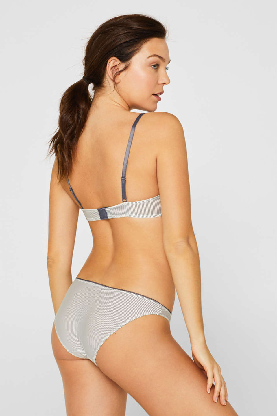 Padded underwire bra with fine stripes, OFF WHITE, detail image number 1