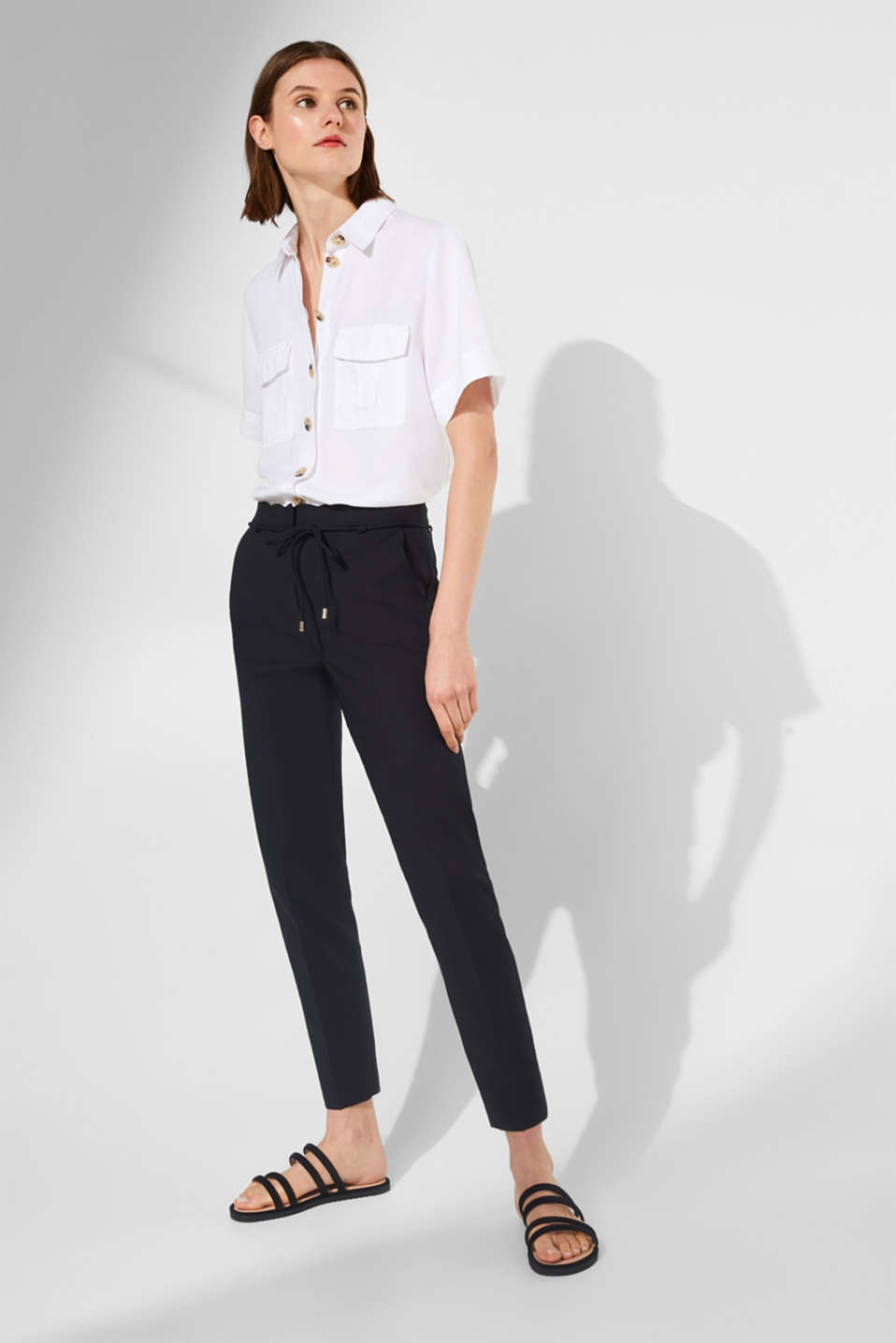 Esprit - Stretch trousers with a wavy waistband