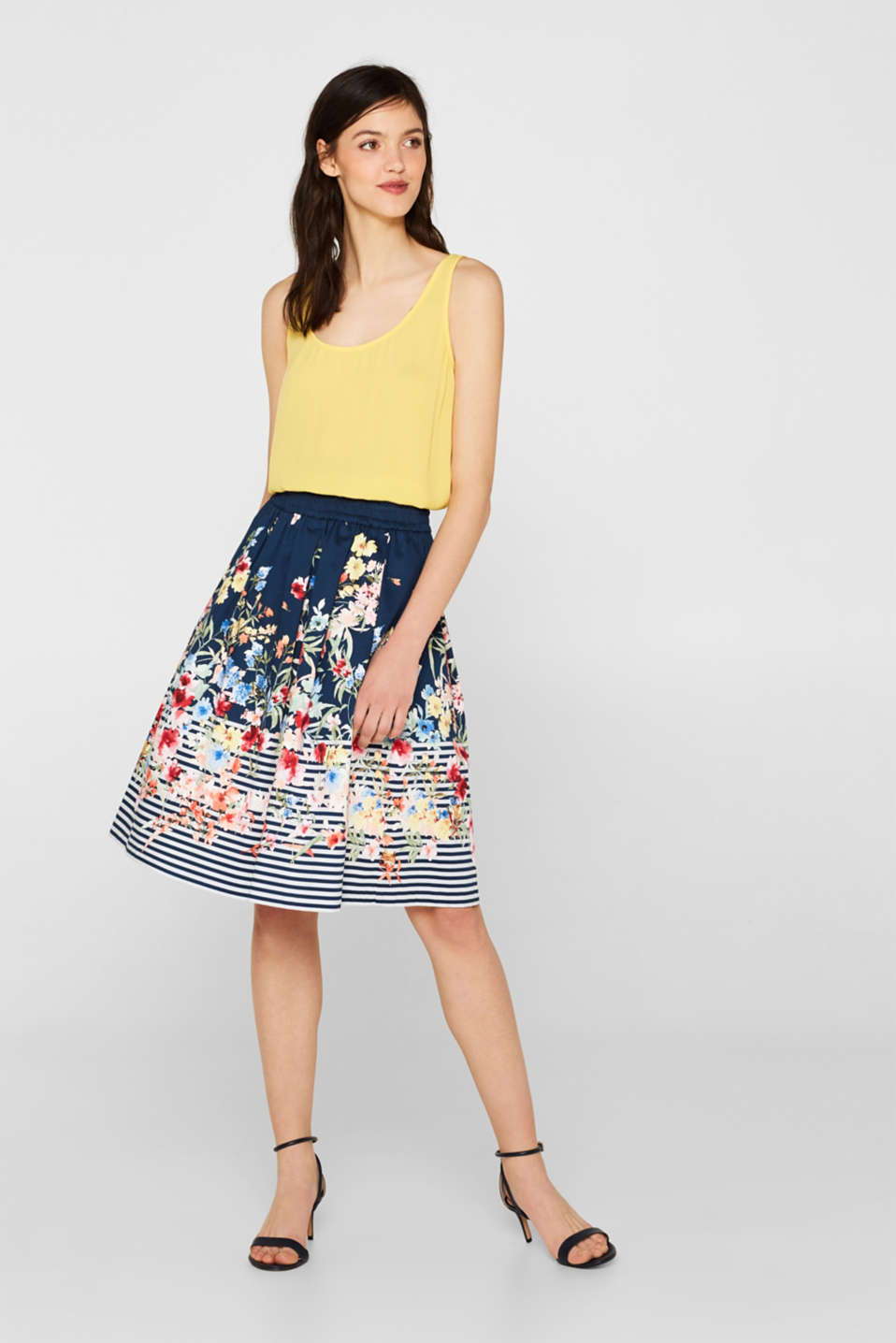 Esprit - A-line skirt made of stretch satin with a mix of patterns