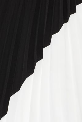 Pleated skirt with a black and white colour block design