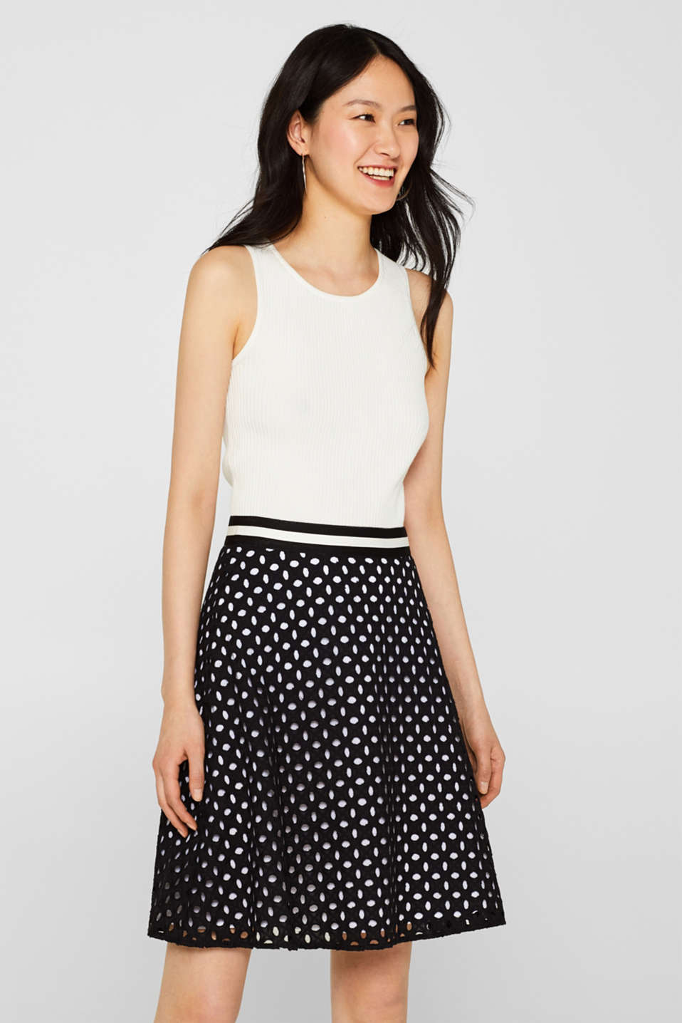 Esprit - Skirt with broderie anglaise and contrasting lining