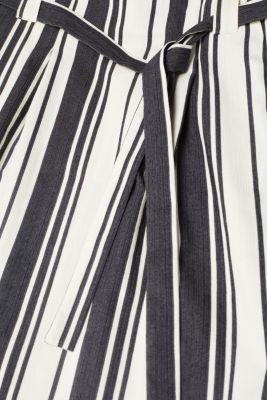 Textured striped skirt with a belt